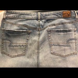 AEO Hi-Rise ARTIST Jeans - size 12Regular